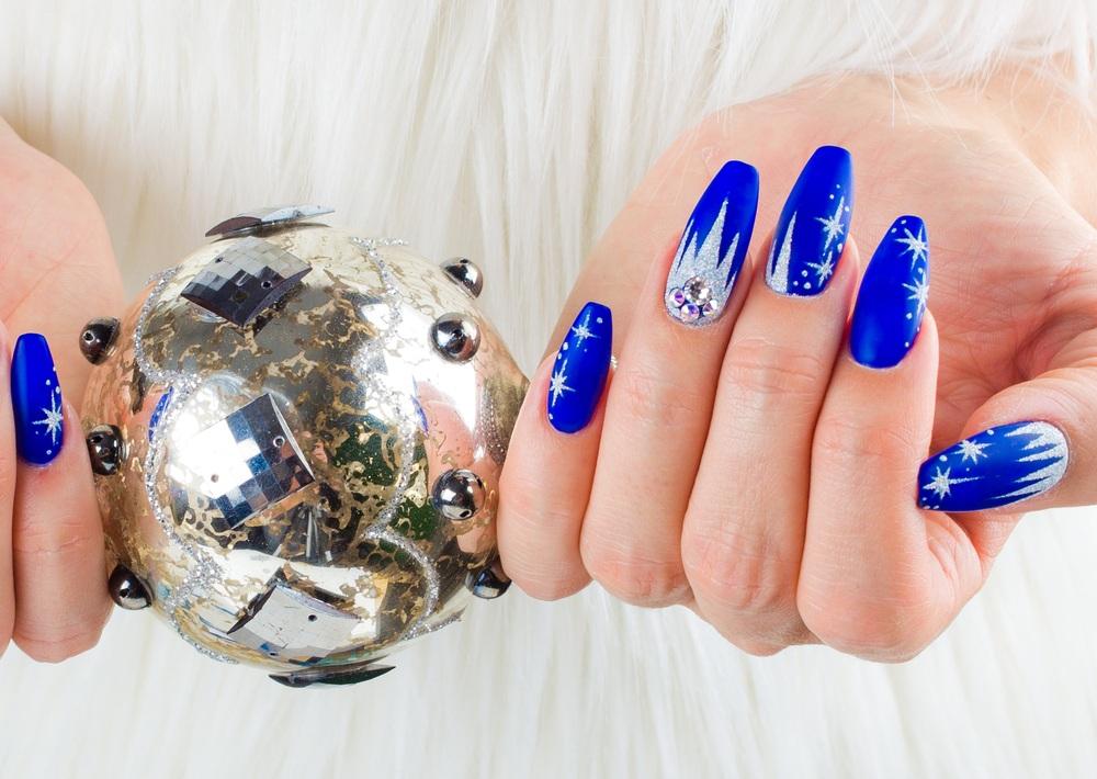 unhas bailarinas azuis
