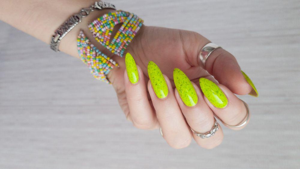 unhas decoradas neon 6